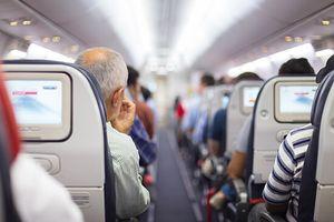 Làm thế nào để phòng ngừa lây bệnh khi bay đường dài?
