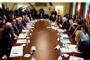 Nhà Trắng xáo động vì bài báo 'phe phản kháng'