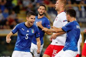 Italia thoát thua trong trận đấu với Ba Lan