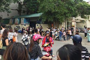 Hà Nội: Hàng trăm nhân viên văn phòng hoảng loạn chạy ra đường khi tòa nhà cao tầng rung lắc mạnh