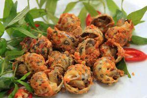 Ngày mưa gió ở Hà Nội, ăn những món ốc cay này thì còn gì bằng
