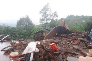Lâm Đồng: Lốc xoáy kinh hoàng thổi tốc mái nhiều ngôi nhà