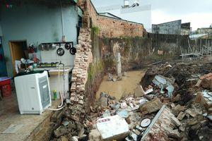 Đồng Nai: Sập tường rào nhà máy, 1 người tử vong