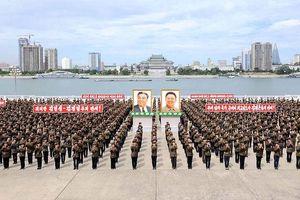 Triều Tiên diễu binh rầm rộ mừng Quốc khánh, không phô diễn ICBM