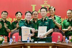 Vì sao Chủ tịch kiêm Tổng GĐ Viettel được cấp bậc hàm trung tướng?