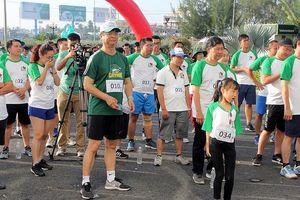 Khởi động chương trình chạy bộ gây quỹ xây cầu nông thôn tại Cần Thơ