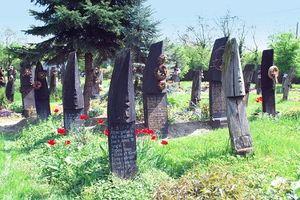 Bí mật lạ lùng ẩn trong nghĩa trang 'mộ thuyền' độc nhất TG