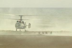 Hải quân Nga thể hiện kỹ năng đổ bộ trên bờ biển Syria