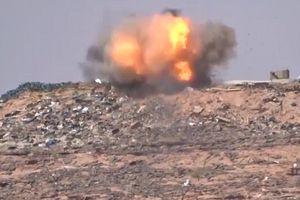 Tên lửa của phiến quân Houthi phá tan xe thiết giáp Arab Saudi