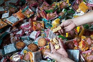 Hà Nội: Phát hiện, thu giữ gần 2.000 bánh trung thu không rõ nguồn gốc
