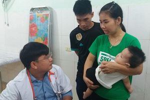 Bệnh viện Tim Hà Nội phẫu thuật tim miễn phí cho 5 trẻ em nghèo ở Hà Tĩnh