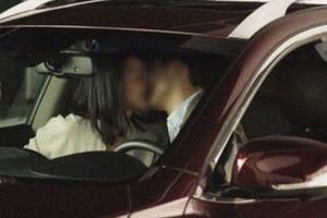 Chạy xe máy 200km kỉ niệm 2 năm ngày yêu, phát hiện bạn gái ngoại tình trong ô tô