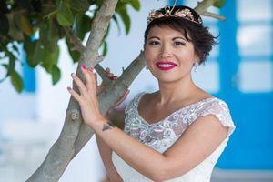 Bị hôn phu cự tuyệt, cô gái bỏ 700 triệu tự cưới chính mình