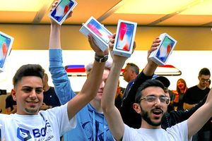 Tất cả chúng ta đã nhầm, Apple sẽ chẳng bán rẻ iPhone 9 như mong đợi đâu