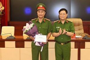 Thứ trưởng Lê Quý Vương khen thưởng Công an Hải Phòng