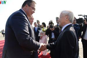 Tổng Bí thư đến Budapest, bắt đầu thăm chính thức Hungary