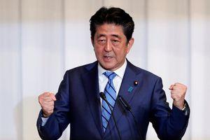 Chạy đua nhiệm kỳ tiếp, ông Abe quyết tâm sửa hiến pháp