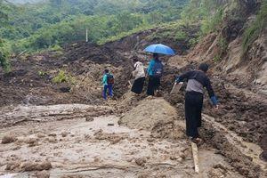 Vì sao tuyến đường lên huyện Mường Lát vẫn chưa thông?