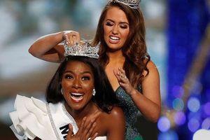 Cận cảnh cô gái đăng quang Tân hoa hậu Mỹ