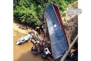 Container rơi cầu