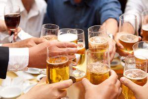 Còn ý kiến trước việc cấm quảng cáo, khuyến mại rượu bia