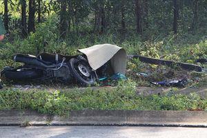 Phát hiện nam thanh niên nằm tử vong cạnh xe máy bên lề đường