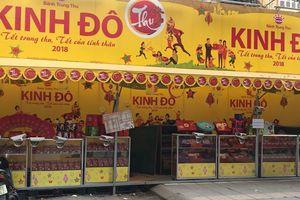 Tái diễn tình trạng bán bánh Trung thu lấn chiếm vỉa hè