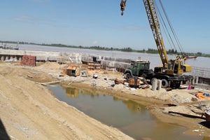 Công ty Hồng Cường ngang nhiên lấp cả nghìn mét vuông sông Mã