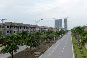 Hà Nội: Hàng tá 'ông lớn' ôm đất rồi bỏ hoang