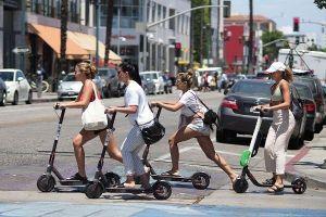 Scooter điện, phương tiện di chuyển tương lai ở các thành phố Mỹ?