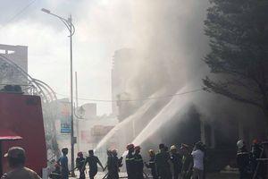 Đang cháy lớn tại trung tâm thành phố Đà Nẵng