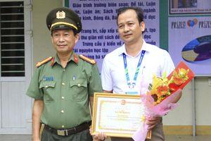 Trao Bằng khen của Bộ CA cho một cá nhân Trường ĐH TDTT Đà Nẵng