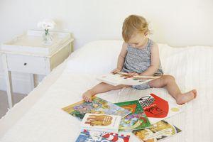Lợi ích ít biết về việc đọc truyện cho con