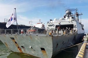 Tàu khu trục Roks Moon Mu The Great của Hải quân Hàn Quốc đến Đà Nẵng
