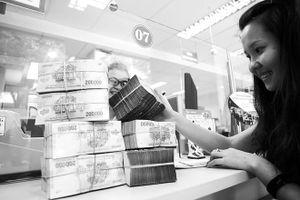 Kinh tế Việt Nam: Khởi sắc nhưng không kích cầu, nới lỏng tiền tệ