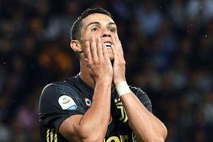 'Sếp' Juventus bật mí bất ngờ về thương vụ mua Ronaldo