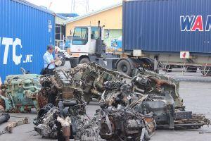 Làm giả hồ sơ, nhập khẩu hàng chục container máy móc cũ