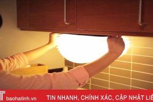 Đèn xách tay tạo hình như cuốn sách