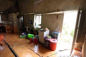 Lai Châu: Hơn 60 hộ dân bản Nà Phạ nơm nớp lo bị sụt lún nhà