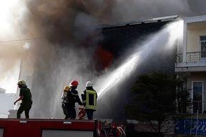 Nóng: Hiện trường kinh hoàng vụ cháy quán bar giữa trung tâm TP. Đà Nẵng