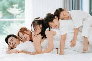 Ảnh 'đẹp hết nấc' của gia đình MC Phan Anh cùng vợ và 3 thiên thần nhí