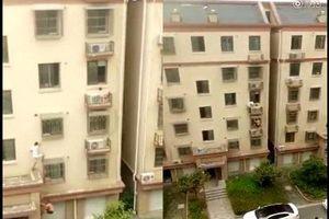 Thêm hai 'người nhện' leo 4 tầng nhà cứu em bé đang treo lơ lửng ngoài ban công