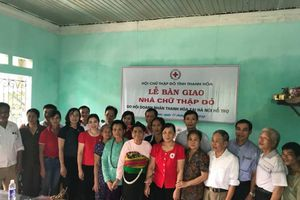 Bàn giao nhà Chữ thập đỏ cho gia đình chính sách Thanh Hóa