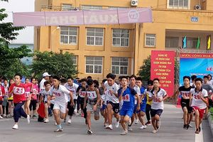 Gần 500 vận động viên đua tài tại chung kết quận Hoàng Mai