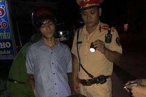 Nửa đêm đi mua ma túy bị CSGT bắt giữ