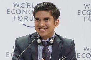 Bộ trưởng 'soái ca' 25 tuổi của Malaysia gây bất ngờ tại WEF ASEAN là ai?