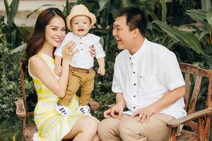 Dương Cẩm Lynh ly hôn chồng, một mình nuôi con