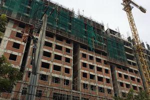 2 công nhân rơi từ tầng 10 tòa nhà Saigon Homes
