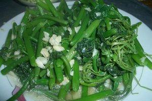 Cách làm rau bí xào tỏi xanh mướt, ngon giòn như ngoài hàng