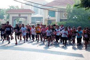 Quận Nam Từ Liêm, thị xã Sơn Tây thi chung kết Giải chạy Báo Hànôịmới